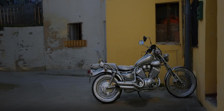 """""""La moto plateada """""""