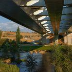La otra cara del puente del Centenario ---Ponferrada---
