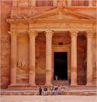 La partie basse du Khazneh à Petra