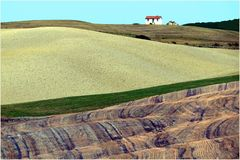 la petite maison sur la colline ....
