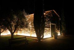 La piccola chiesa di paese si illumina....