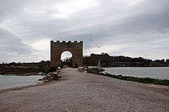 La porte de Maguelone ....