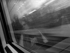 La ragazza sul treno