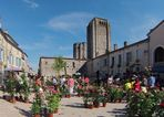La Romieu (Gers) – Le marché aux roses - Der Rosenmarkt