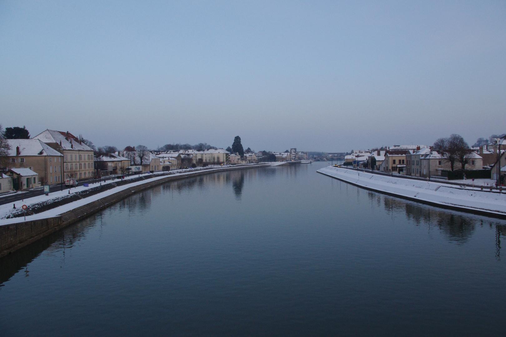 La Saône bordée par la neige