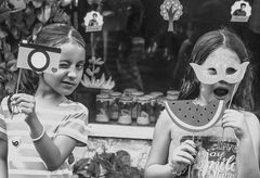 La satisfacción de las mujercitas: detrás de las máscaras