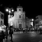 la sera in piazza - the evening in the square