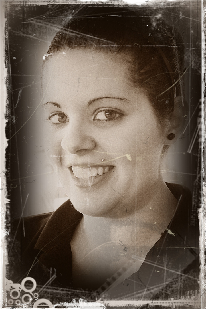 La sonriente moza para Norma Ateca