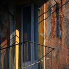 La tavolozza sul vecchio muro