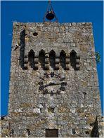 La tour de l'entrée du village fortifié de Larressingle