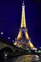 La Tour Eiffel en jaune