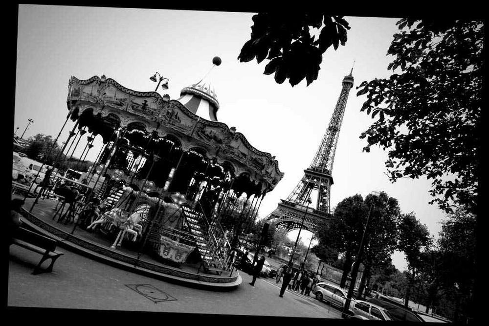 la Tour Eiffel enchanté