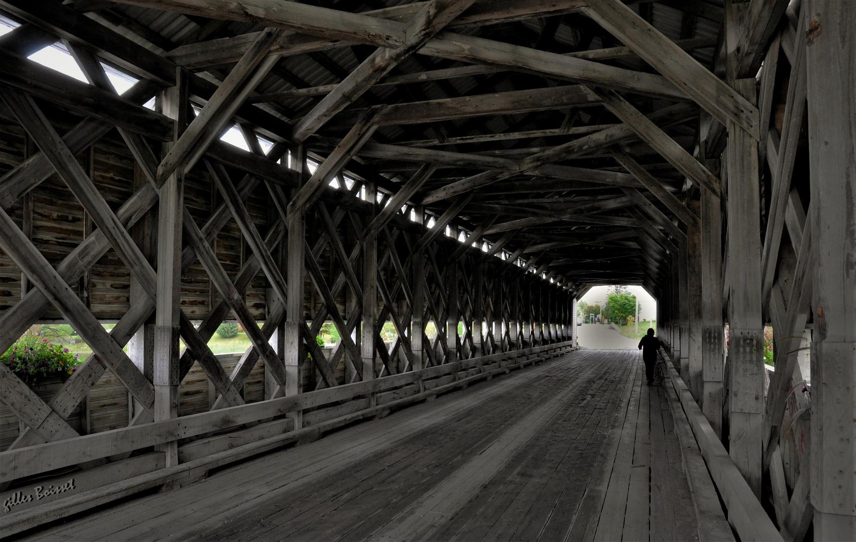 la traversée du pont couvert