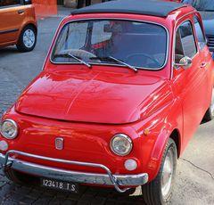 La vecchia Fiat 500 Rossa....