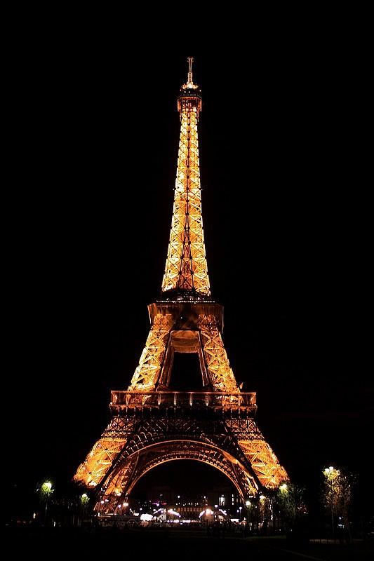 La vieille dame  (Copyright Tour Eiffel - Illuminations Pierre Bideau)