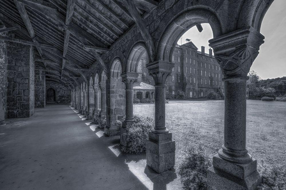 ~ l'abbaye abandonnée ~