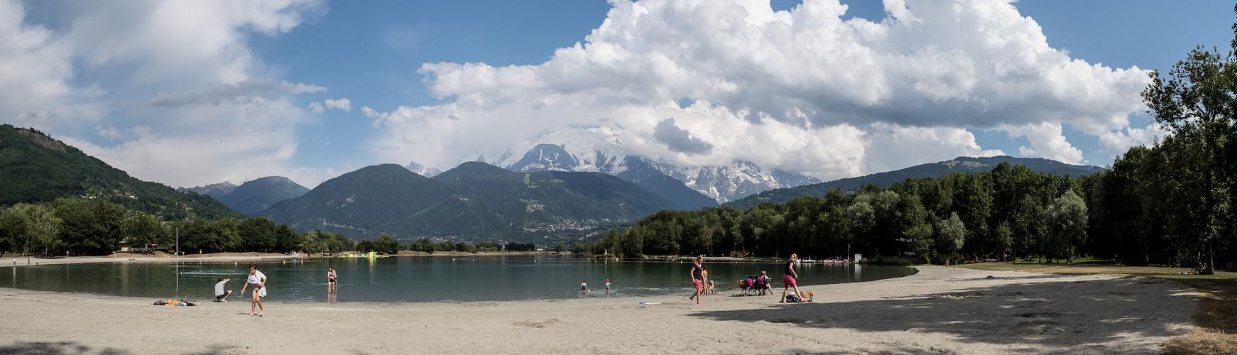 Lac de Passy face au Mont Blanc