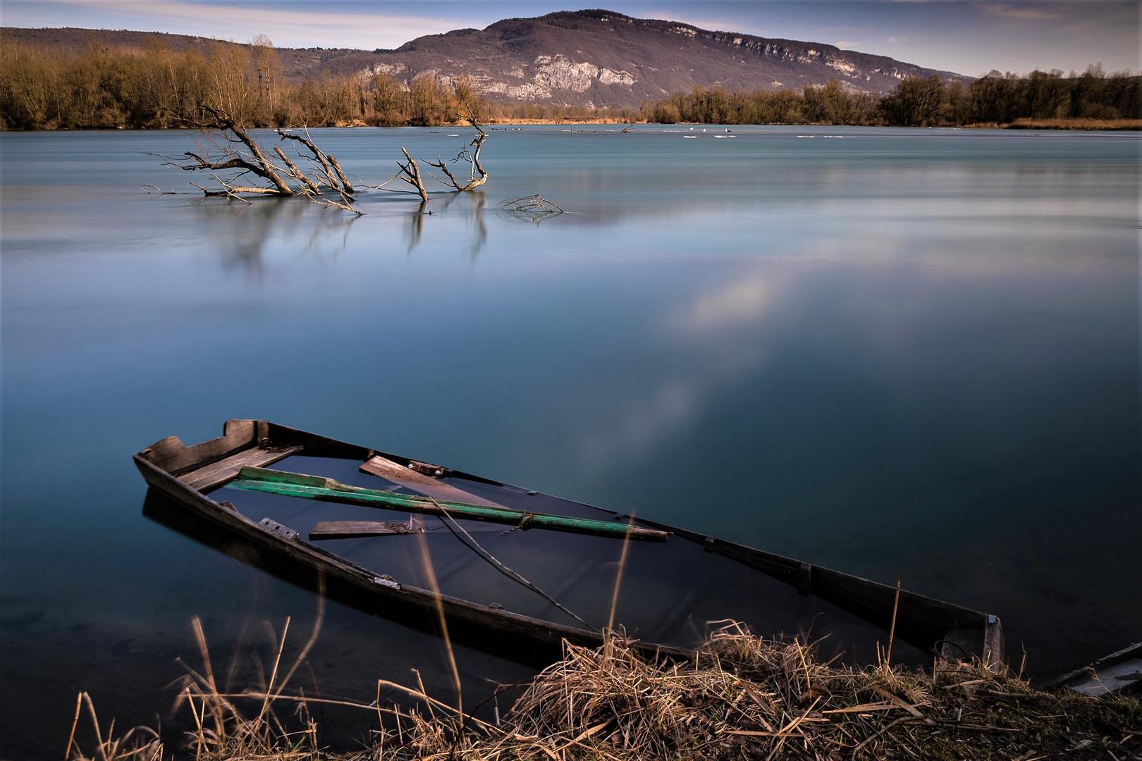 lac en Isère