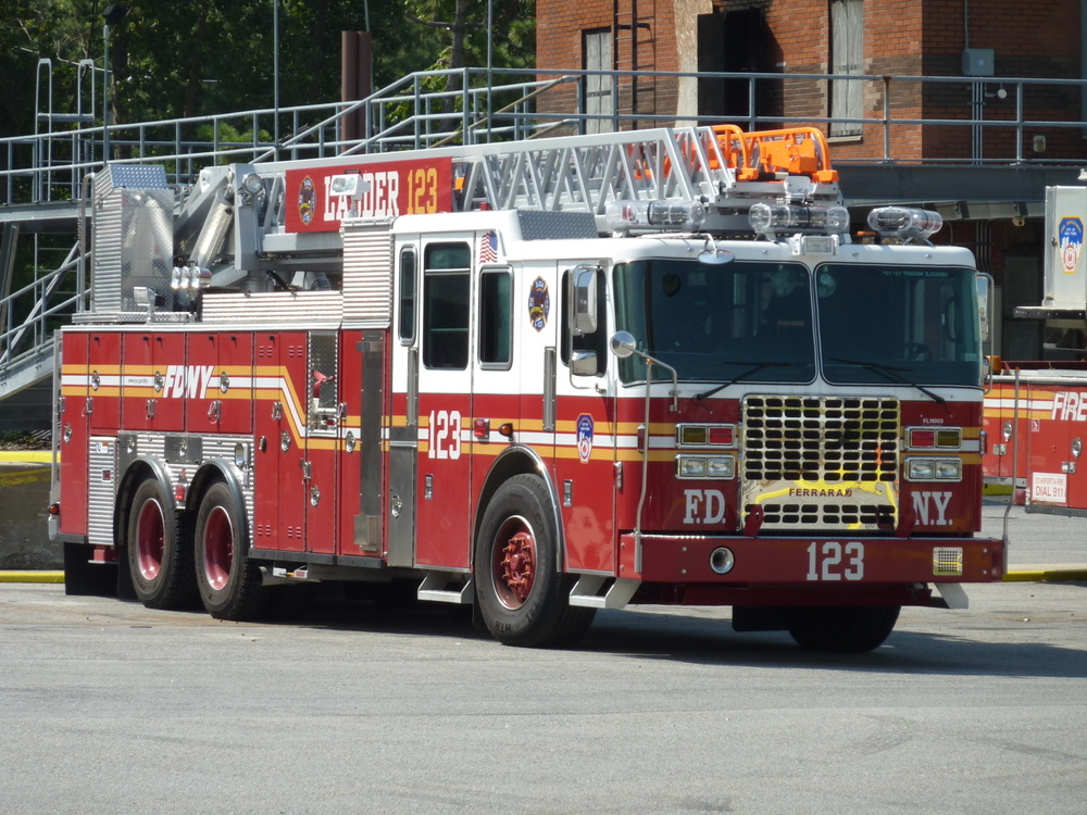 Ladder123 an der FDNY Fire Academy New York