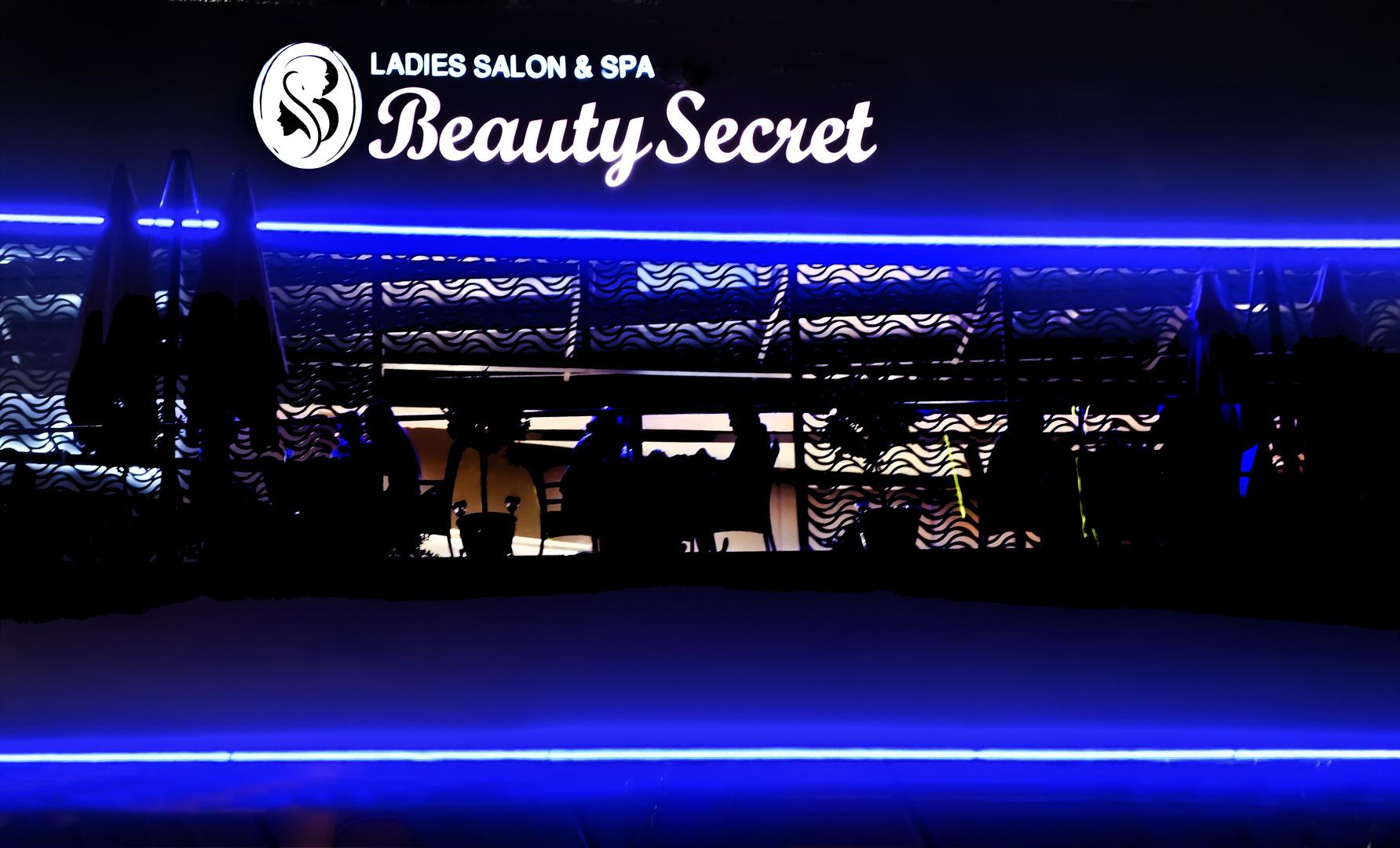 LADIES  Secret