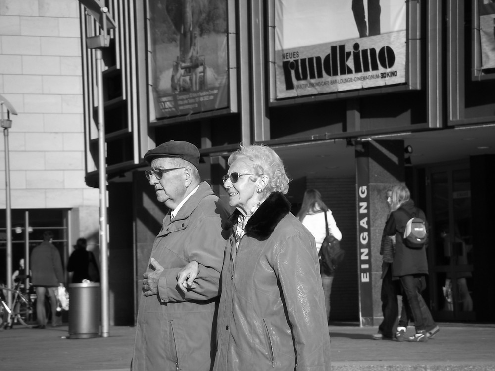 Lady Georgia Weston & Lord Soulfox on the run