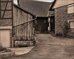 Ländlicher Hinterhof 18