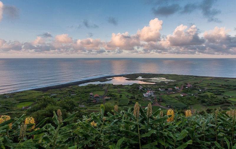Längste  Steilküste der Welt: 104 km