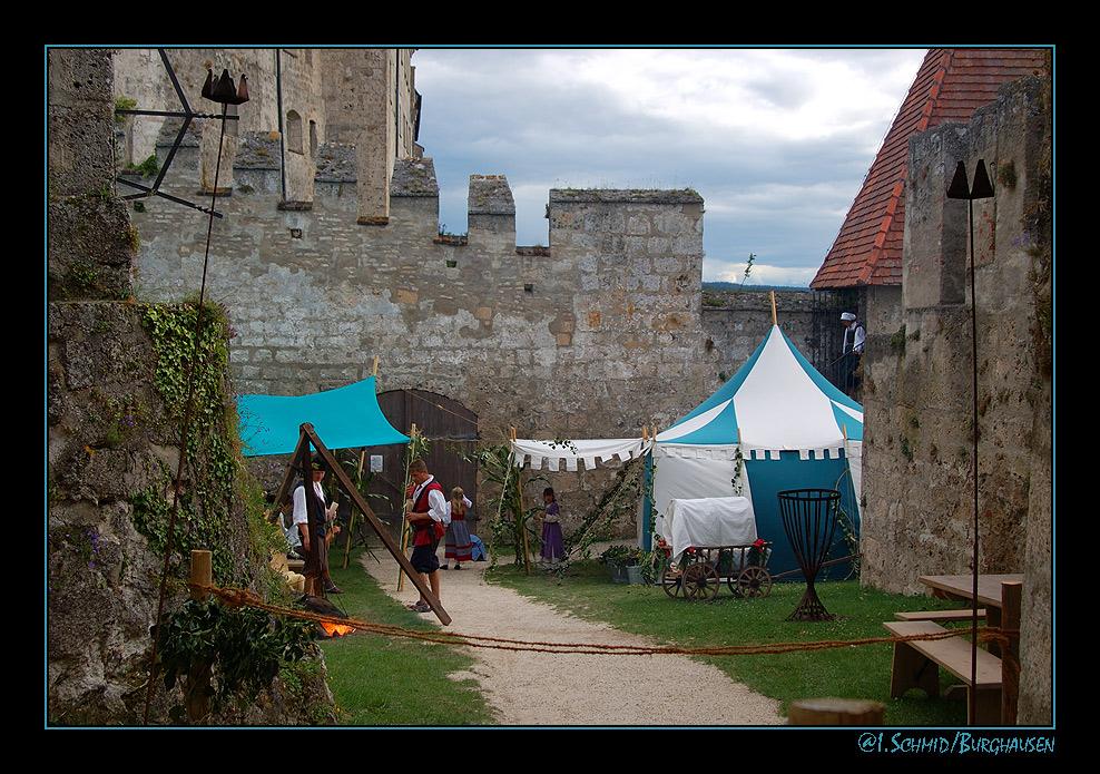 Lager der Tanzgruppe anno 1516