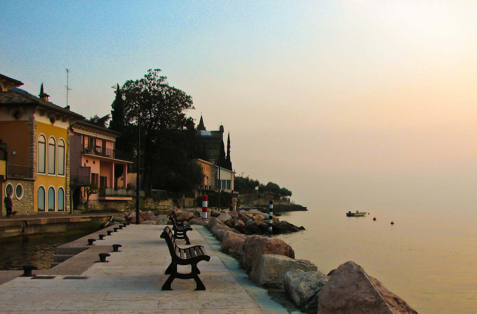 Lago di Garda d'inverno.