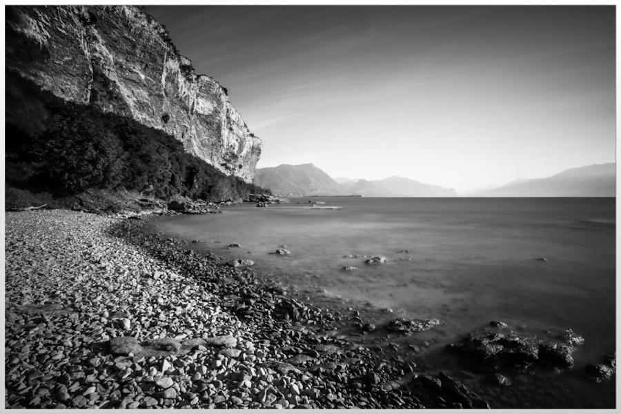 Lago di Garda -Sasso Beach-