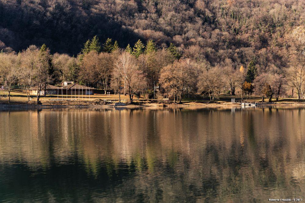 Lago di Ghirla, riflessi
