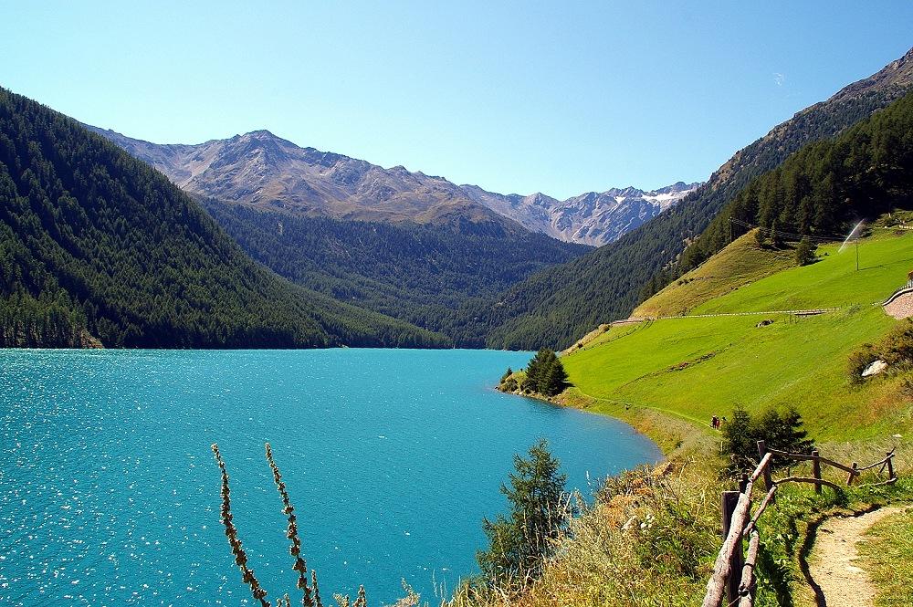 Lago di vernago foto immagini paesaggi laghi e fiumi for Disegni di laghi