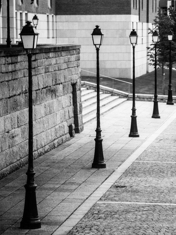 Lampadaires De Rue Photo Et Image Architecture Ruelle Rue Images