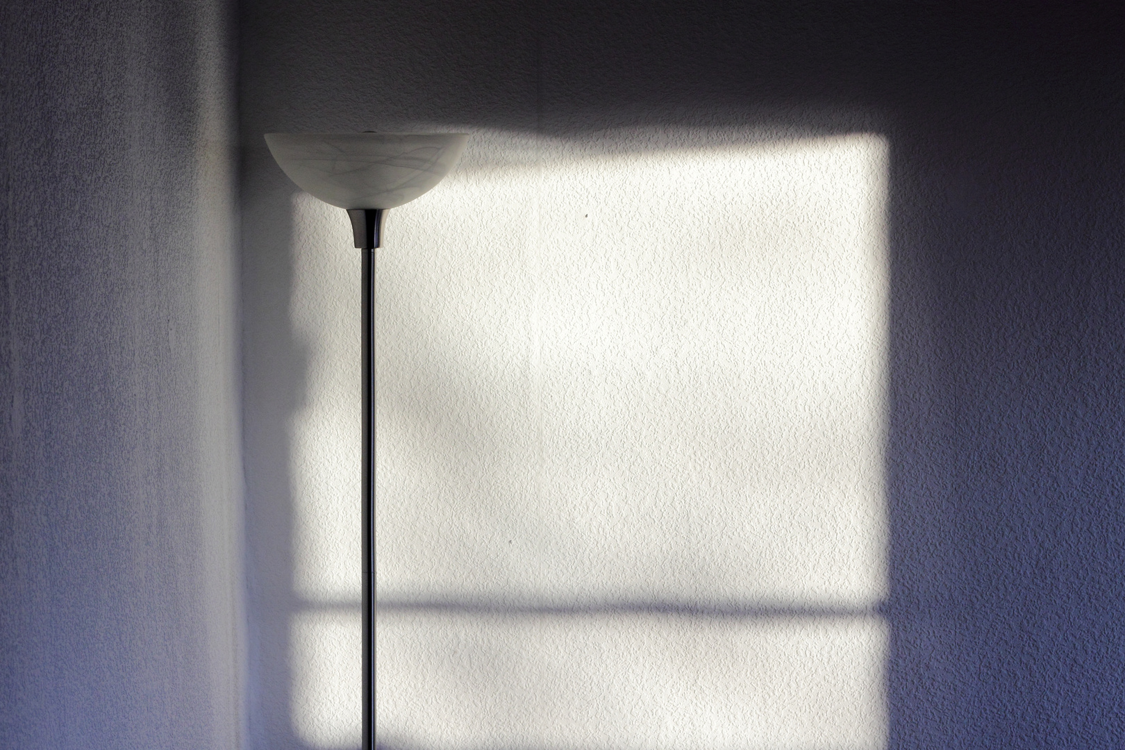 Lampen En Licht : Lampe licht und schatten foto & bild lampen und leuchten