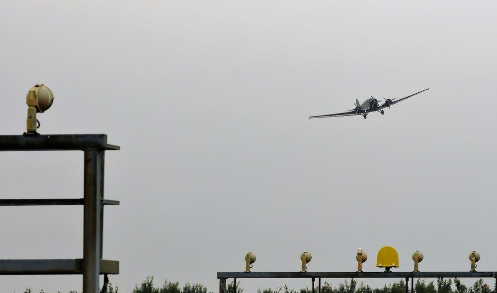 landing approach 2 JU52