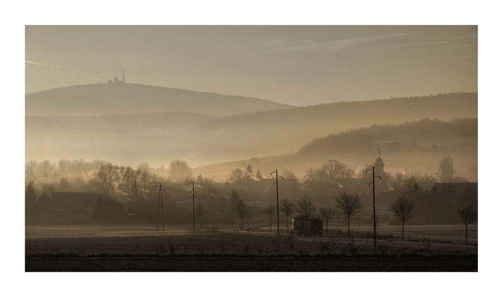 """Landkreis - Goslar """" Blick auf Harlingerode, und dem Brocken, bei Sonnenaufgang """""""
