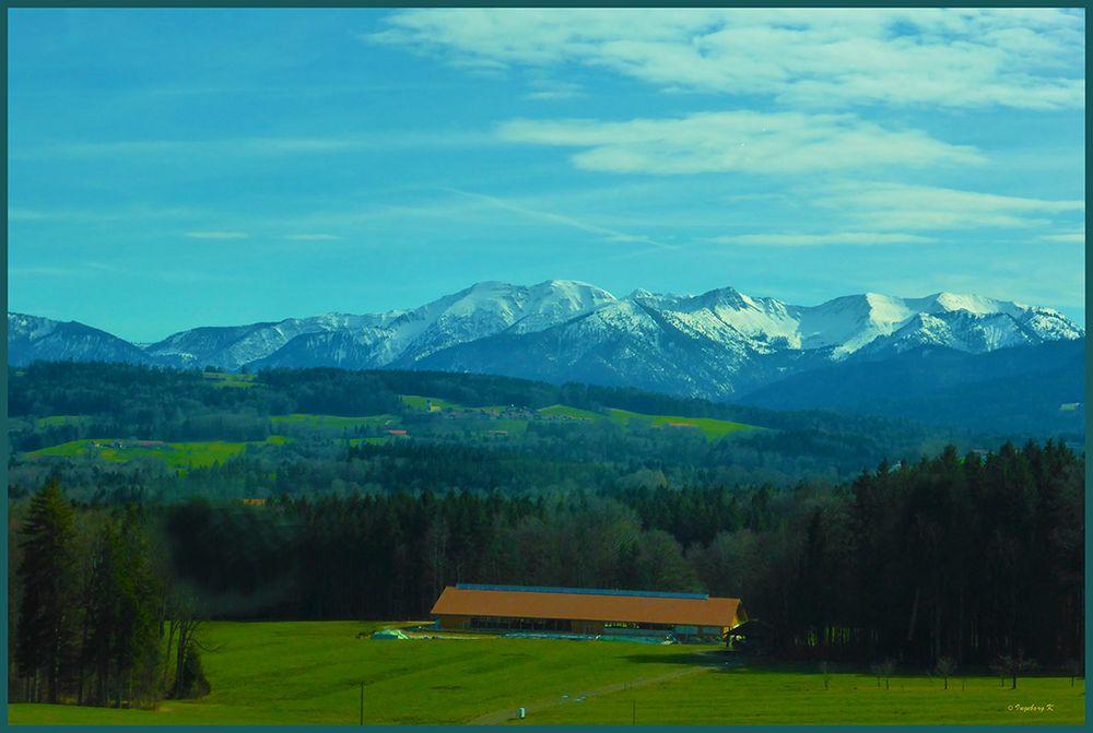 Landschaft bei Irschenberg Richtung Österreich