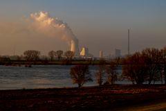 Landschaft und Industrie am Niederrhein
