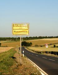 Landstrasse durch das Rheinhessische Hügelland