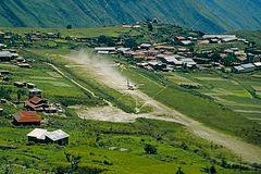 Landung in Simikot / Distrikt Humla