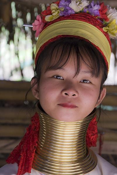 Langhals-               Mädchen aus Thailand