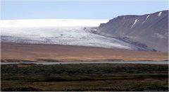 * Langjökull in Hvitarvatn * . . . Iceland 08