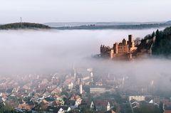 langsam löst sich der Nebel auf