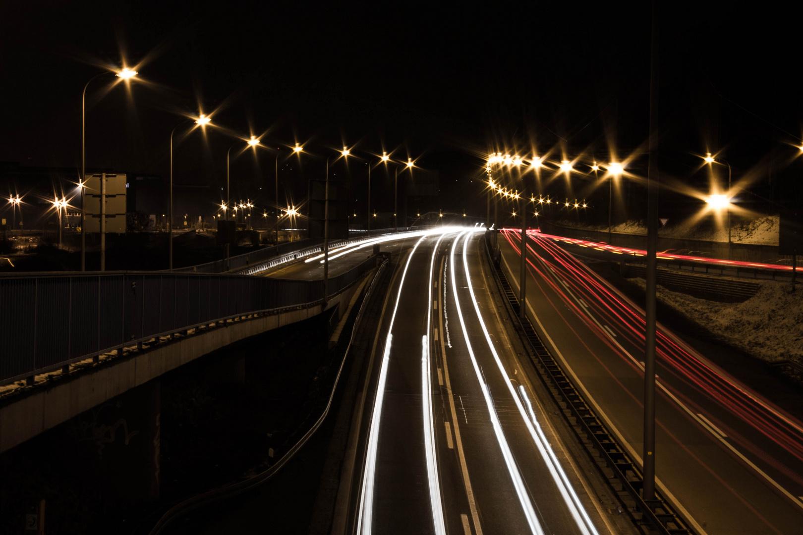 Langzeitbelichtung Autobahn Saarbrücken