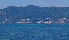 L'Argentario e Porto Ercole visti dalla spiaggia...