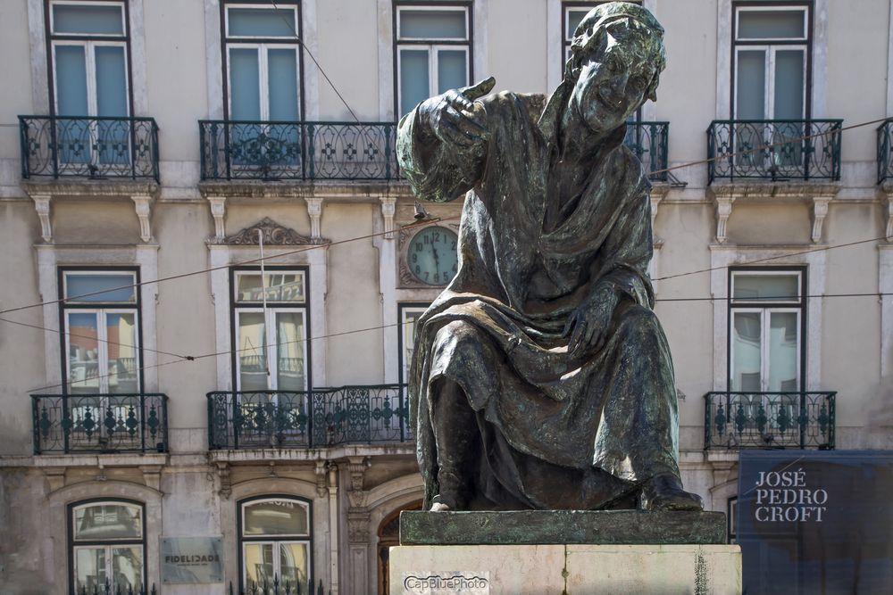 Largo do Chiado Denkmal Dichter Antonio Riberio