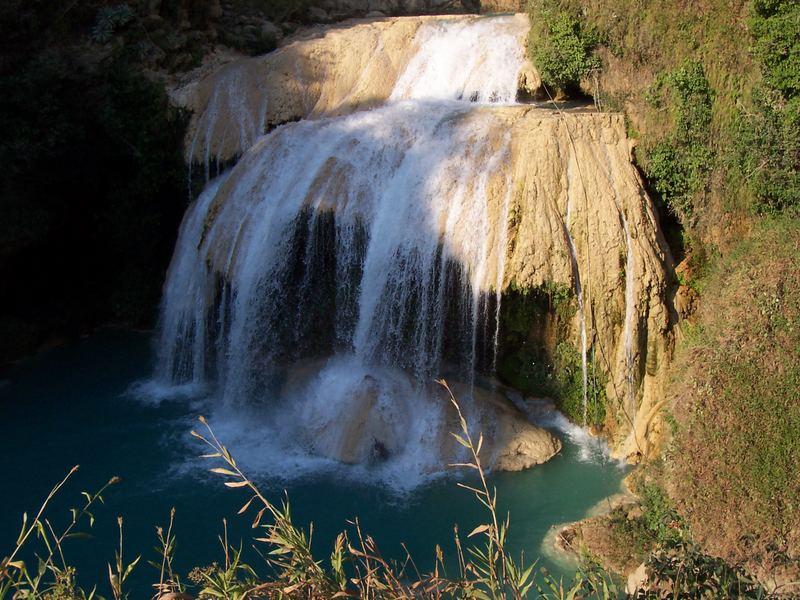Las Cascadas de Agua Azul