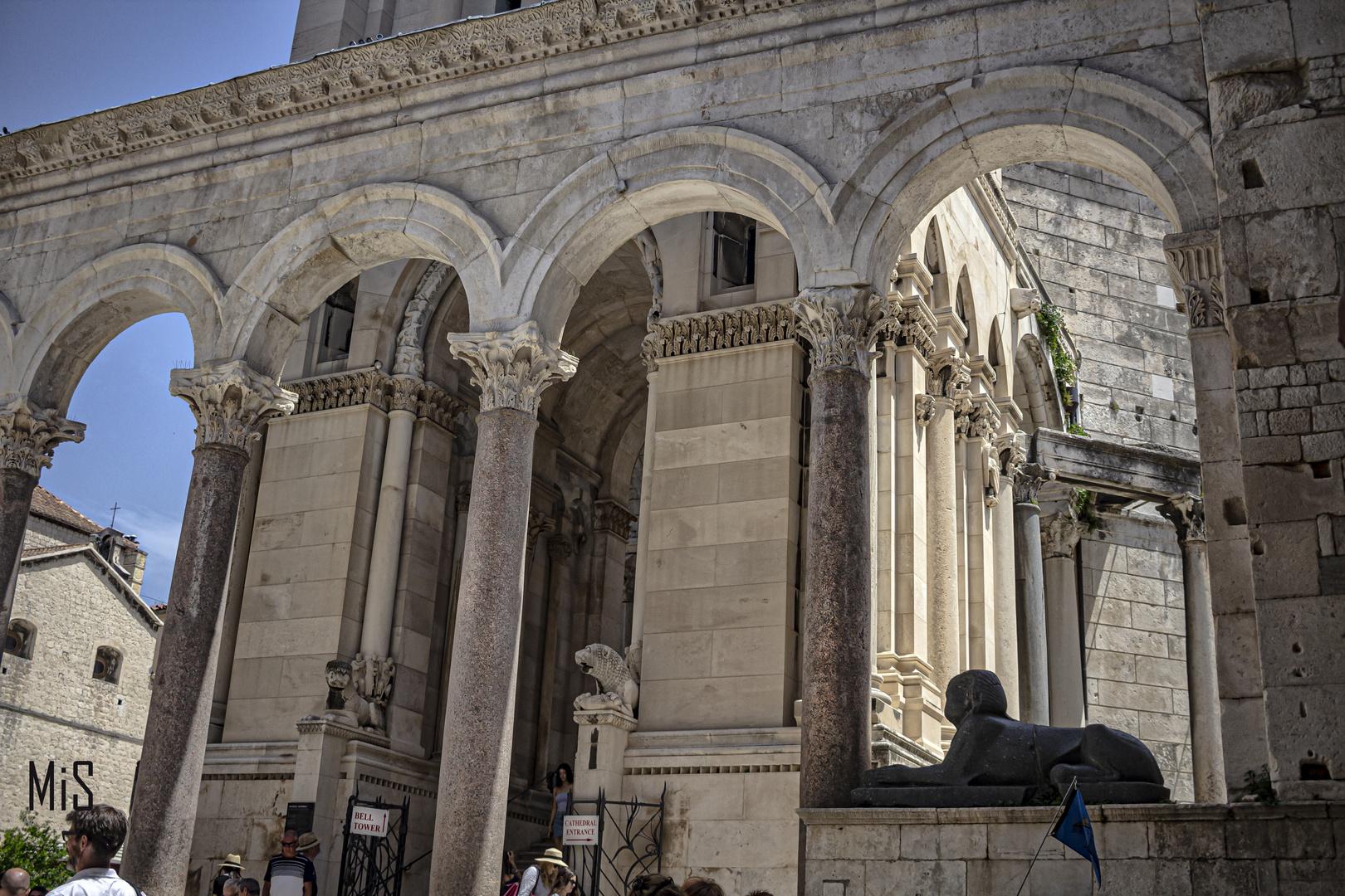 Las ruinas romanas. Palacio Diocleciasno