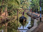 Lastentransport in den Backwaters