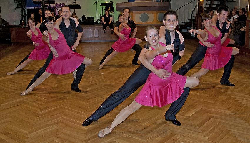 Latein A Formation der Tanzschule Streng in Fürth 2/2